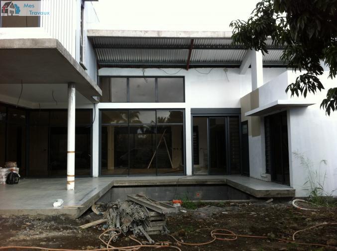 Logo de construction renovation maison et amenagement, société de travaux en Rénovation complète d'appartements, pavillons, bureaux