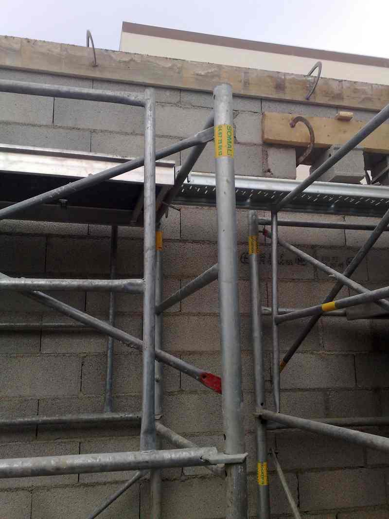 Logo de sas crm littoral, société de travaux en Construction, murs, cloisons, plafonds en plaques de plâtre