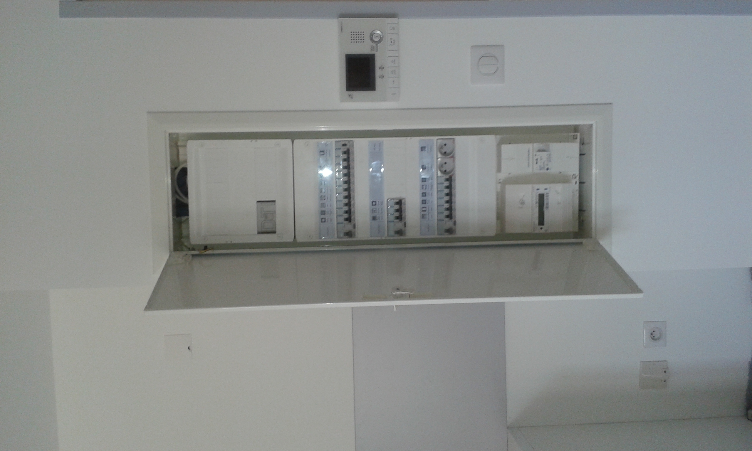RITIE SARL, artisan spécialisé en Installation électrique : rénovation complète ou partielle