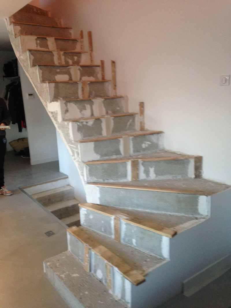 entreprises du b timent en r novation d 39 escalier. Black Bedroom Furniture Sets. Home Design Ideas