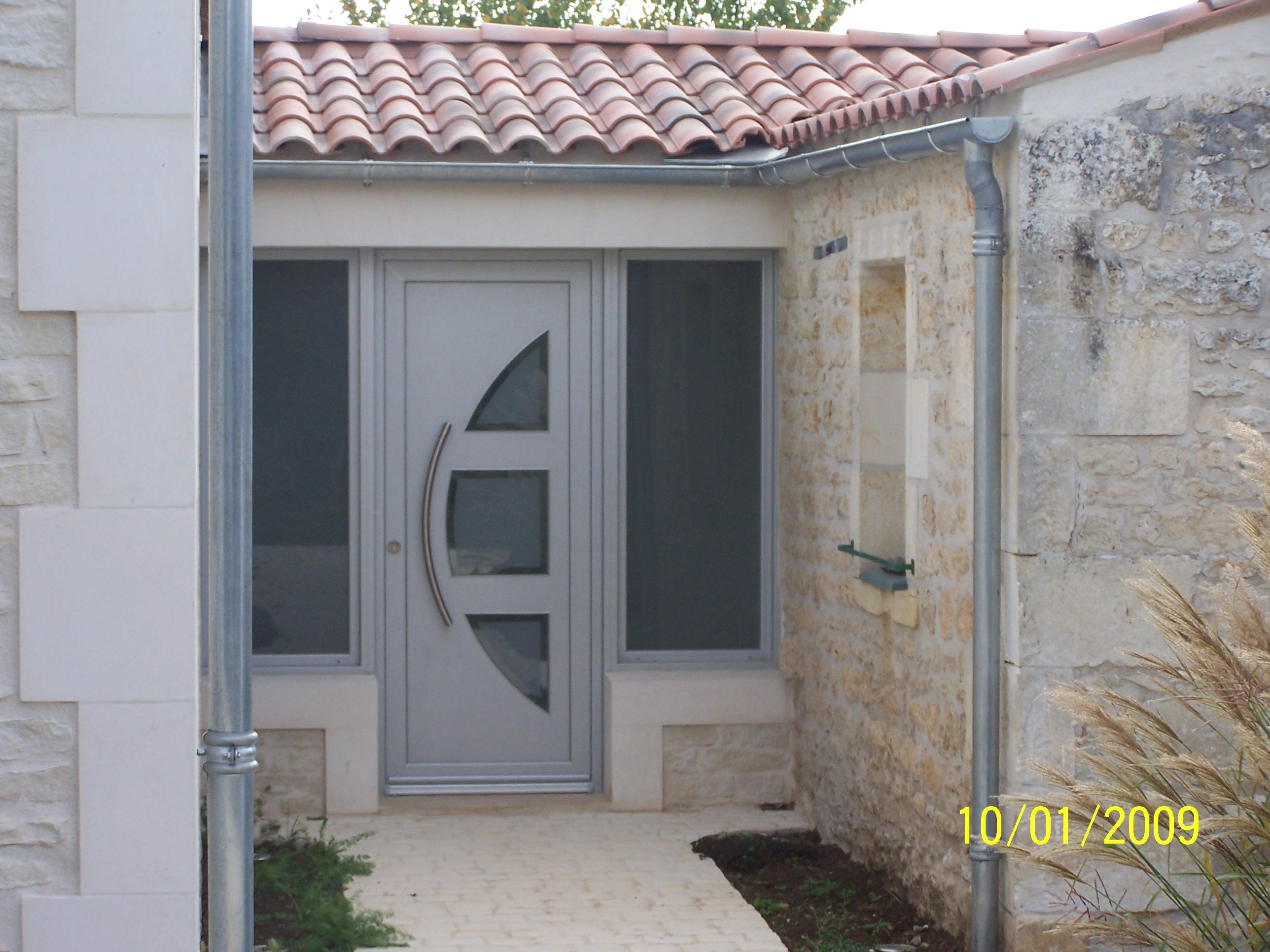Logo de MENUISERIE MUSSEAU ET ASSOCIES, société de travaux en Fourniture et remplacement de porte ou fenêtre en PVC
