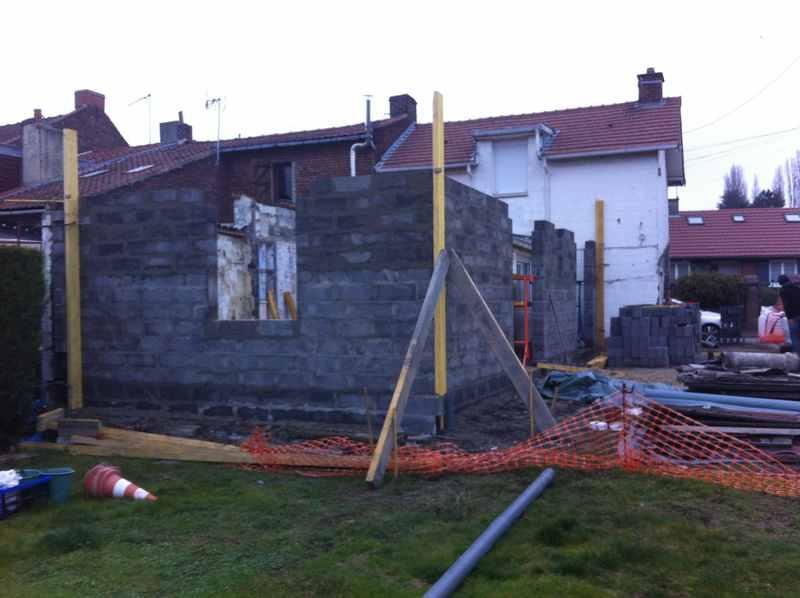 Logo de flandres extension, société de travaux en Maçonnerie : construction de murs, cloisons, murage de porte