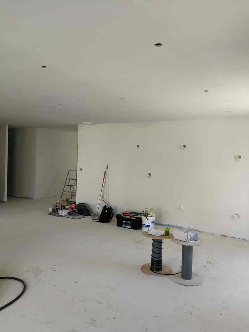 Logo de Marteaux Patrick auto entrepreneur peinture intérieur extérieur façade sol, société de travaux en Peinture : mur, sol, plafond