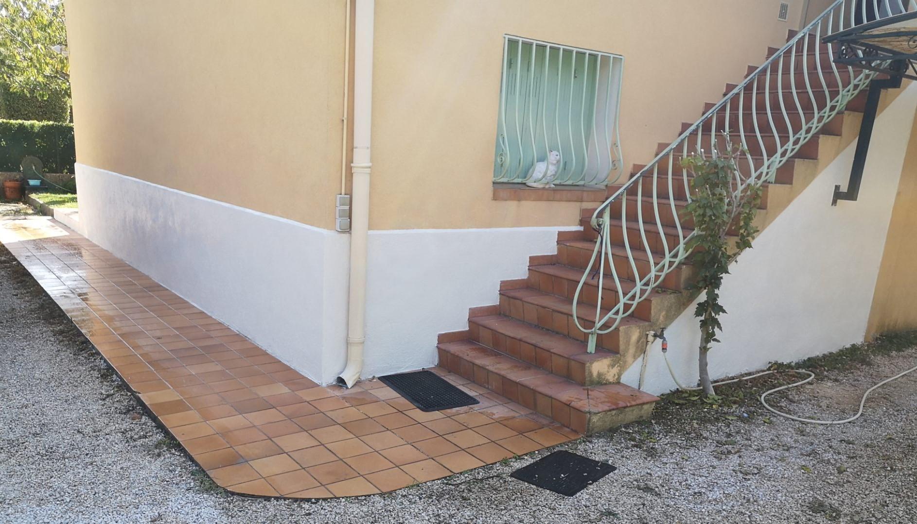 AES Maçonnerie 83, artisan spécialisé en Maçonnerie : construction de murs, cloisons, murage de porte