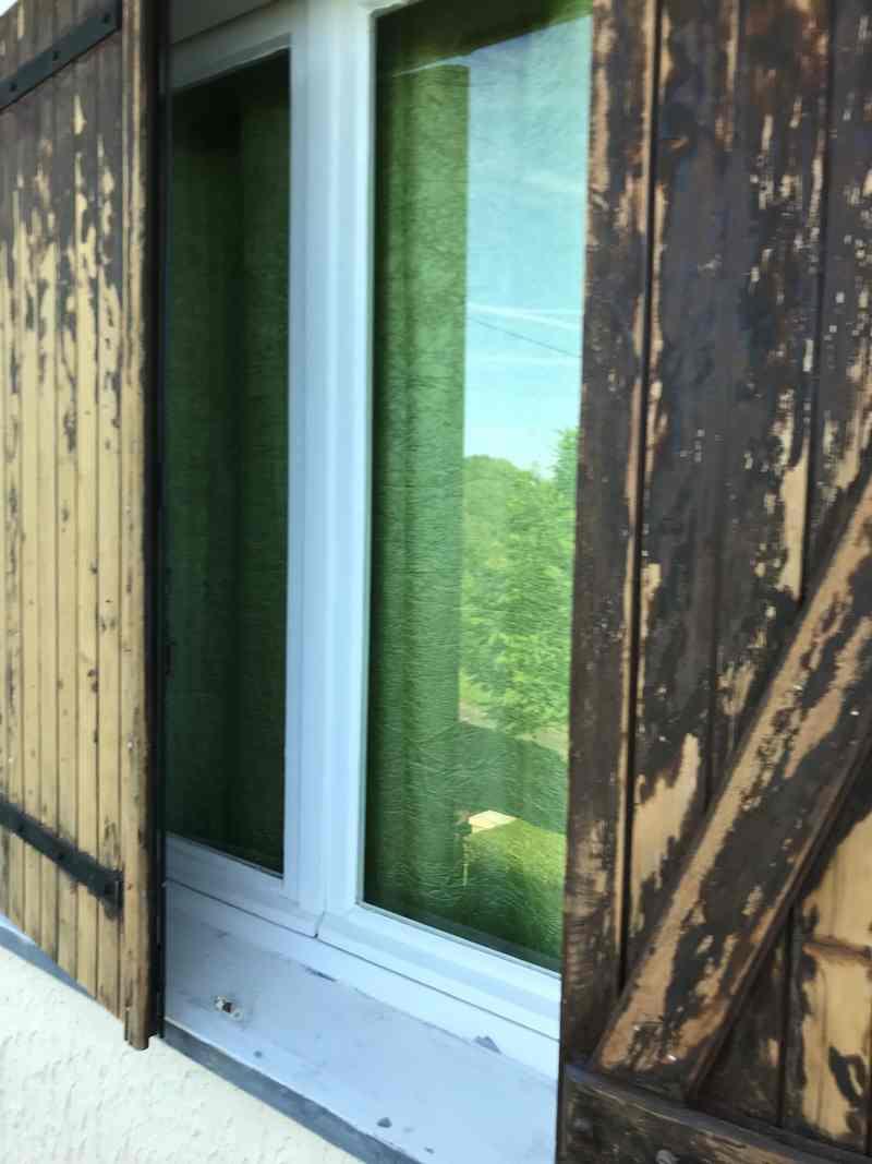 Mc, artisan spécialisé en Nettoyage de toitures - façades - bardages